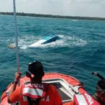 Marinos asegura embarcación con casi 300 kilogramos de presunta cocaína, en las Costas de Quintana Roo