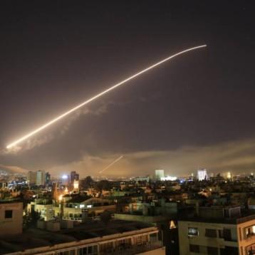 Estados Unidos bombardea Siria en coalición con Francia y Reino Unido