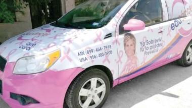 Ponen a rodar autos rosas para trasladar a enfermos de cáncer