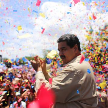 Maduro aumenta casi 155% el salario mínimo en Venezuela