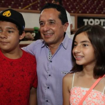 A través de la Secretaría de Educación, protegemos a la niñez: Carlos Joaquín