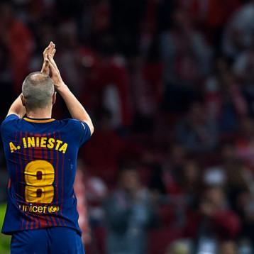 Entre lágrimas, Andrés Iniesta le dice adiós al FC Barcelona