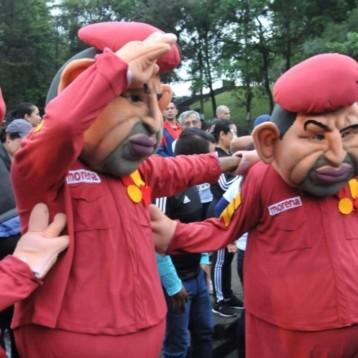 Botargas de Chávez irrumpen en evento de Morena en Veracruz