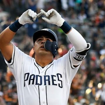 Mexicano Villanueva, único latino con 3 HR en un mismo juego en MLB