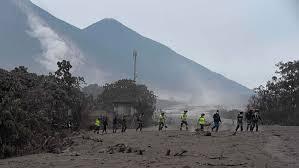Nueva erupción del Volcán de Fuego; más desalojos