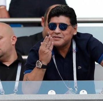 Maradona celebra triunfos de Cuauhtémoc Blanco y López Obrador