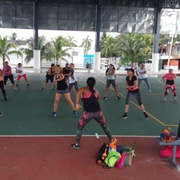 Gobierno municipal y SEDATU imparten talleres en Isla Mujeres