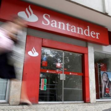 Ganancia trimestral de Santander cae 3% por costos ligados a integración de Popular