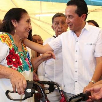Con las Caravanas Juntos, llevamos servicios a más de 3 mil habitantes de la zona maya: Carlos Joaquín