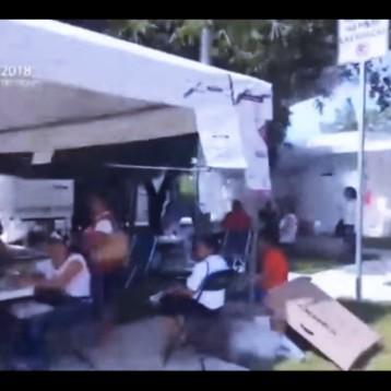 Transmisión en vivo en la entrada de la zona hotelera de Cancún – JORNADA ELECTORAL 2018