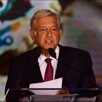 """López Obrador designa a sus siete """"capitanes"""" para la transición"""