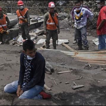 Instalan sensores para vigilar volcán de Fuego de Guatemala