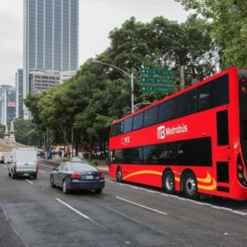 Metrobús suspenderá servicio en 10 estaciones mañana por cierre en Reforma