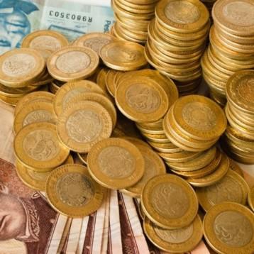 Peso se aprecia casi 31 centavos ante debilidad global del dólar
