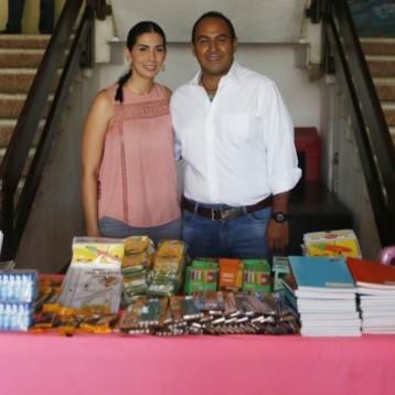El ayuntamiento de Isla Mujeres trabaja en beneficio de los estudiantes y las familias que más lo necesitan