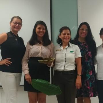 Innovador proyecto de alumna de UT Cancún, reemplaza los platos desechables