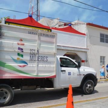Refuerza ayuntamiento de Isla Mujeres trabajos de limpieza