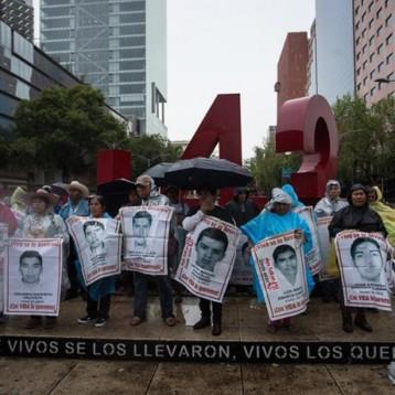 'No me tocaba, me cubrí detrás de unos postes': sobreviviente de Ayotzinapa