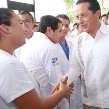 Con la participación del sector privado, hay más y mejores oportunidades para que la gente cuide su salud: Carlos Joaquín