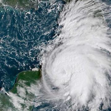 Tormenta 'Michael' ya es huracán; Florida decreta emergencia