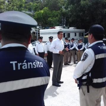 Jesús Pérez Abarca recorre las diversas áreas de Seguridad Pública en BJ