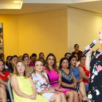 Hagamos una alianza contra el bullying en las aulas a través de la educación y de las relaciones entre la escuela y la familia: Gaby Rejón de Joaquín