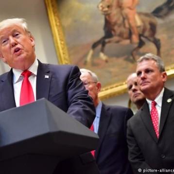 """Trump, tras la caída de Wall Street: """"La Fed se ha vuelto loca"""""""