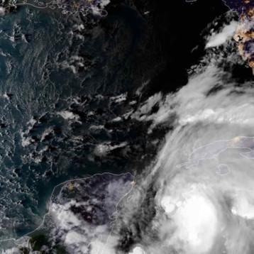 """""""Podría ser mortal y muy peligroso"""". Michael llegará a Florida como potente huracán"""
