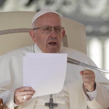 Papa Francisco compara el aborto con contratar a un sicario