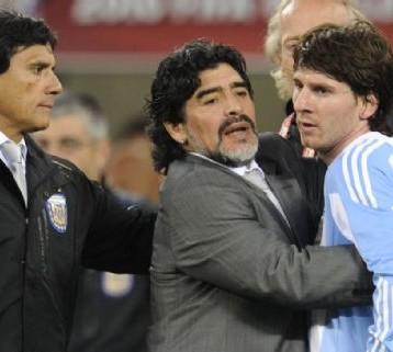 Se cumplen 24 años del debut de Maradona como entrenador