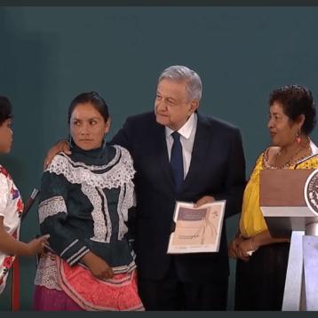 AMLO recibe propuestas de los Pueblos Indígenas de México