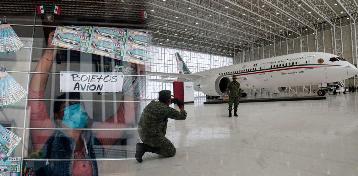 """Venta de """"cachitos"""" para la rifa del avión presidencial"""